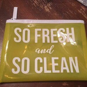 Macy's si fresh and so clean cosmetic bag